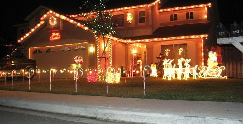 How To Choose The Right Holiday Lighting Contractor So I Am Not Ripped Off?
