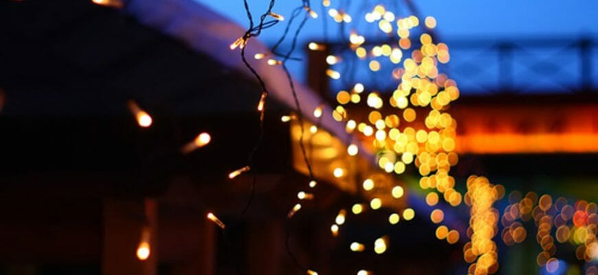 Why Should You Hire A Professional To Hang Your Christmas Lights?